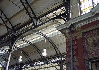 Inmeten Station Haarlem voor behuizingen elektronica